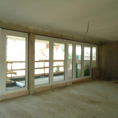 STADTRAUM - Fensterfront von einem Penthouse